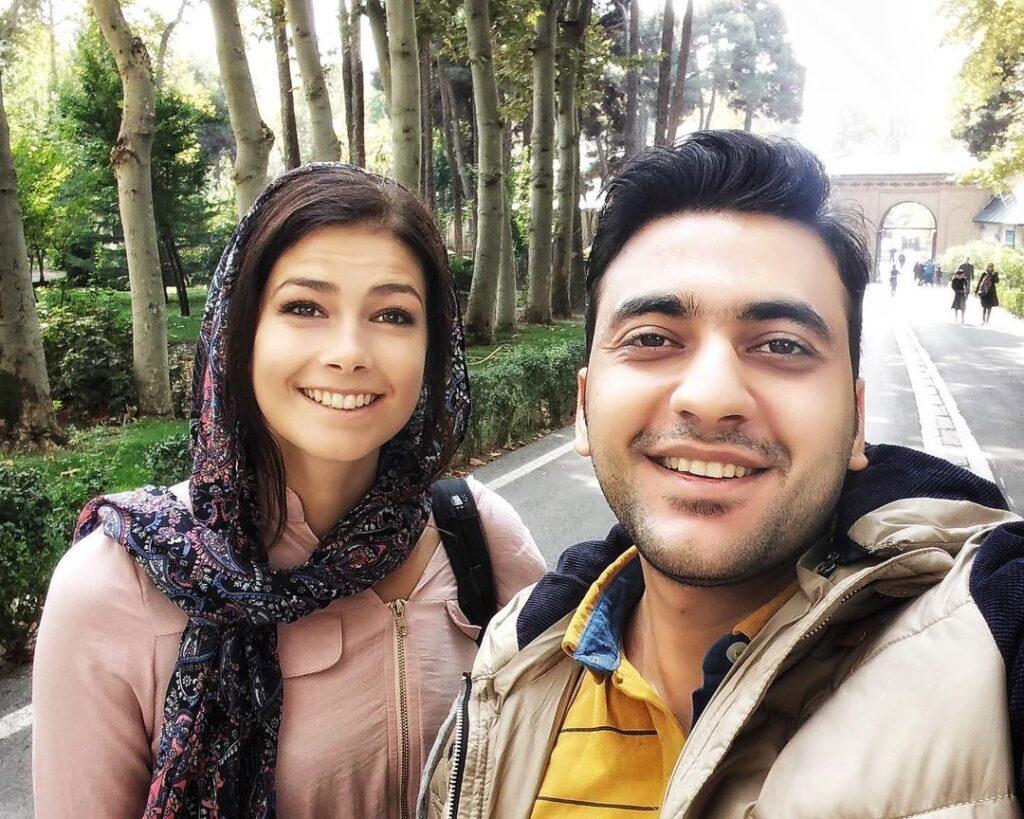 همراه با الکس در تور تهرانگردی